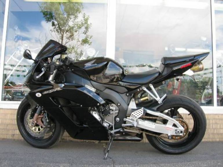 See more photos for this Honda CBR1000RR, 2004 motorcycle listing