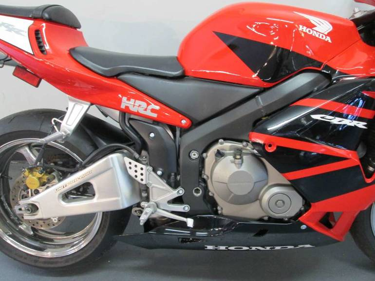See more photos for this Honda CBR600RR, 2004 motorcycle listing