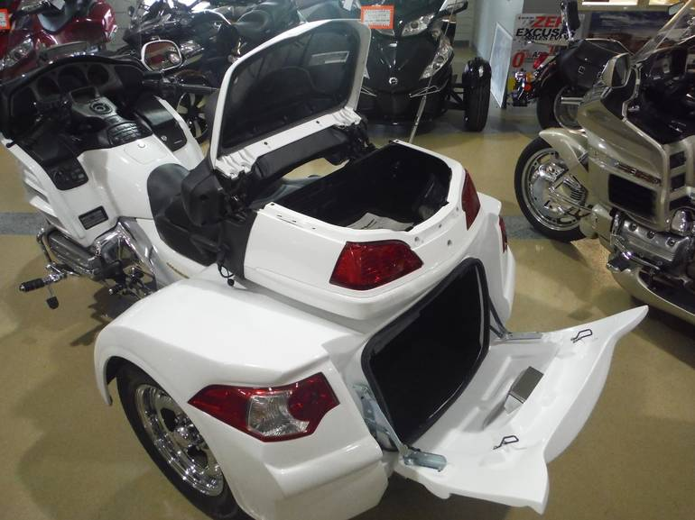 See more photos for this Honda GOLD WING 1800 MOTORTRIKE RAZOR, 2004 motorcycle listing