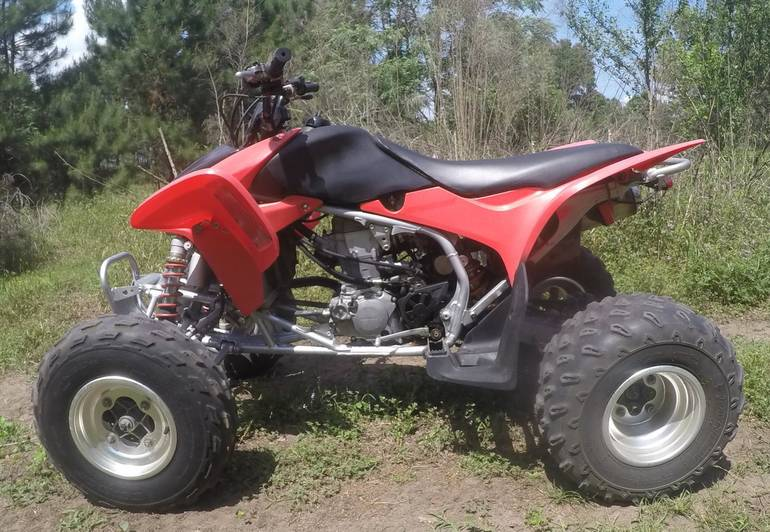 See more photos for this Honda TRX450R, 2004 motorcycle listing