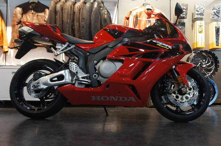 See more photos for this Honda CBR 1000RR, 2005 motorcycle listing
