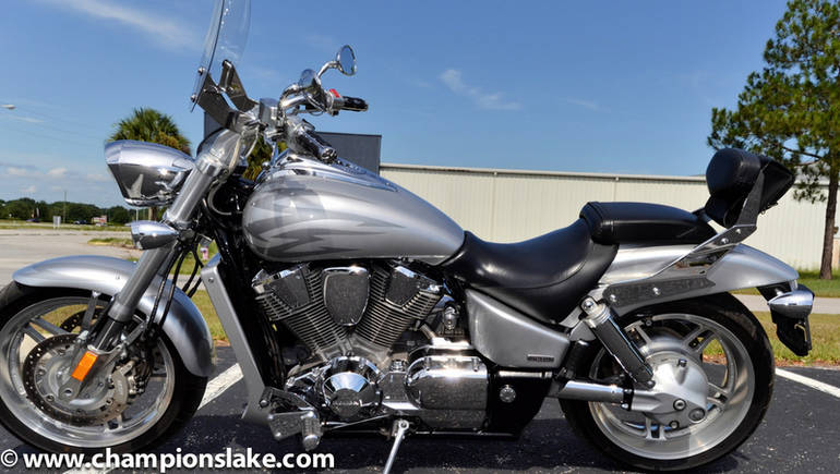 See more photos for this Honda VTX 1800F Spec 2, 2005 motorcycle listing
