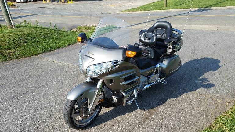 See more photos for this Honda GL1800 GOLDWING, 2002 motorcycle listing