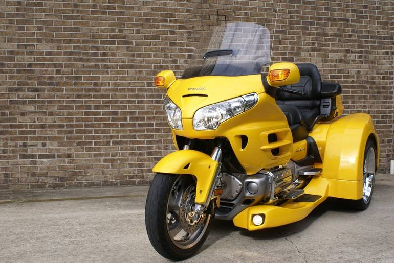 See more photos for this Honda Gold Wing 1800, 2002 motorcycle listing