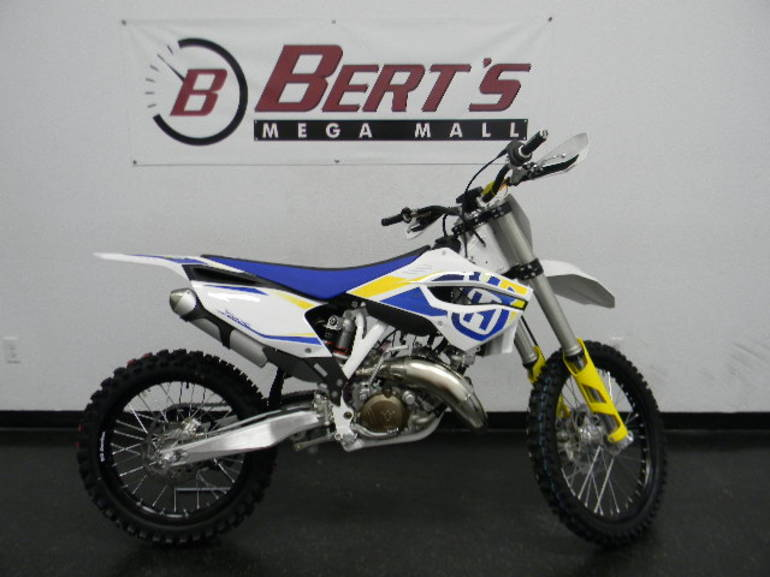 See more photos for this Husqvarna TC125, 2014 motorcycle listing