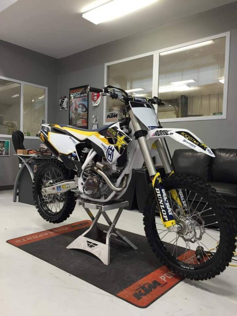 See more photos for this Husqvarna FC 250 Rockstar Edition, 2015 motorcycle listing