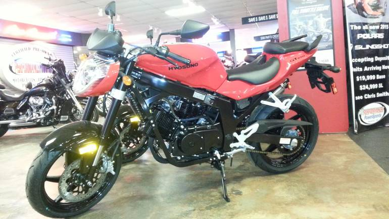 See more photos for this Hyosung GT 250R, 2015 motorcycle listing