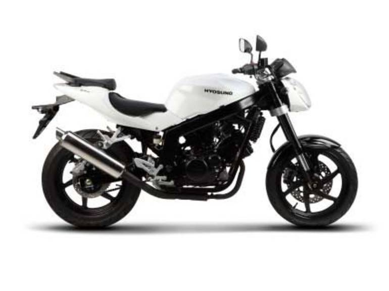 See more photos for this Hyosung GT250, 2015 motorcycle listing