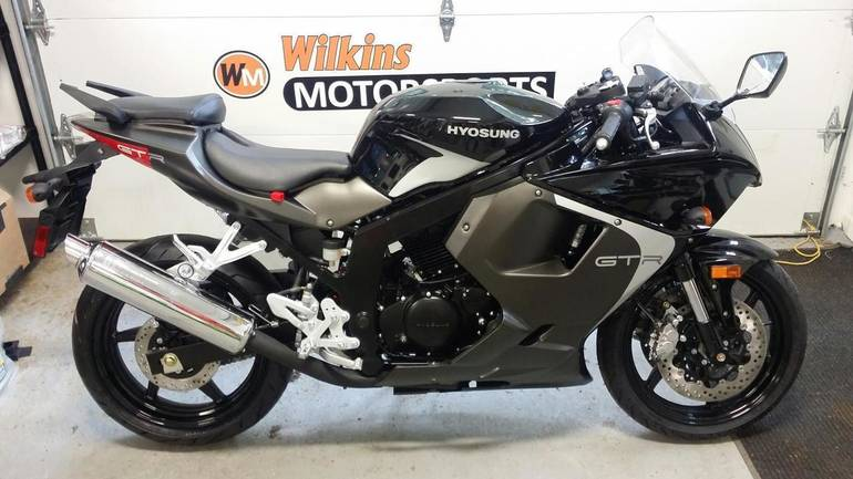 See more photos for this Hyosung GT250 R, 2015 motorcycle listing