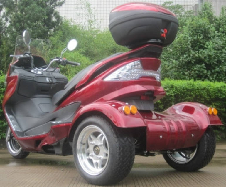 2015 Ice Bear 300cc Tornado Trike Moped Scooter Motorcycle