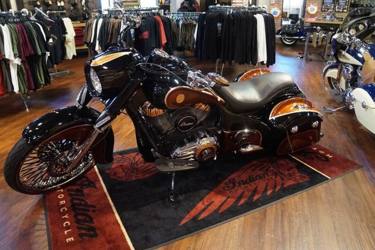 See more photos for this Indian Chief Classic CopperHead, 2015 motorcycle listing