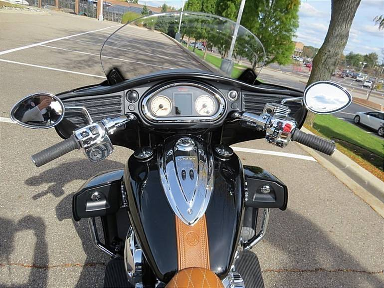 See more photos for this Indian Chief ROADMASTER, 2015 motorcycle listing