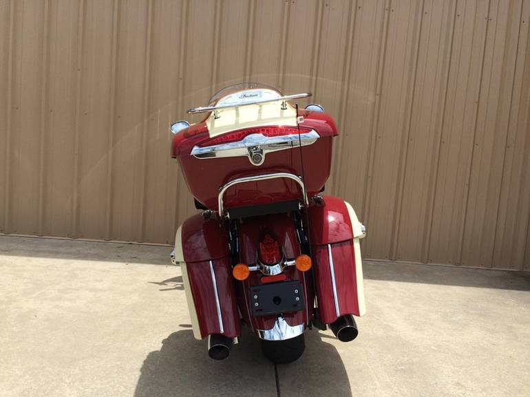 See more photos for this Indian Roadmaster Indian Red/Ivory Cream, 2015 motorcycle listing