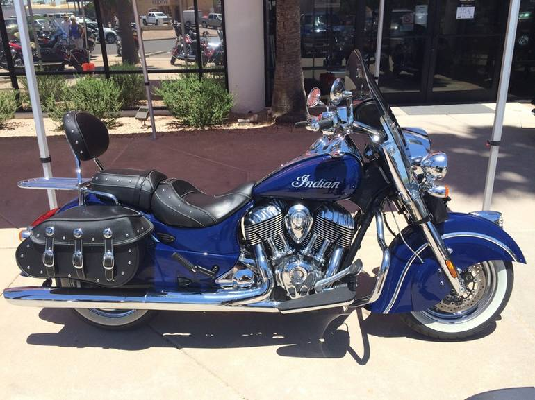 See more photos for this Indian Chief Classic Springfield Blue, 2014 motorcycle listing