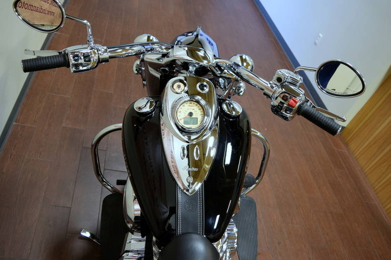See more photos for this Indian Chief Classic Thunder Black, 2014 motorcycle listing