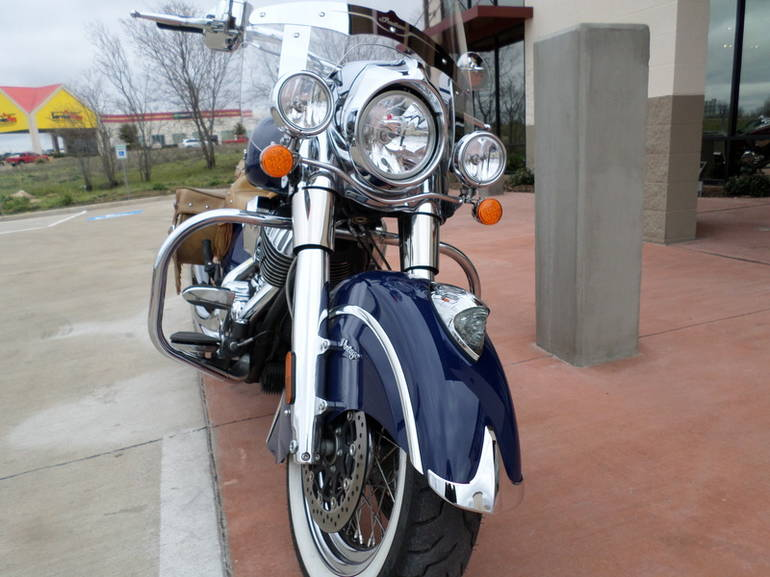 See more photos for this Indian Chief Vintage Springfield Blue, 2014 motorcycle listing