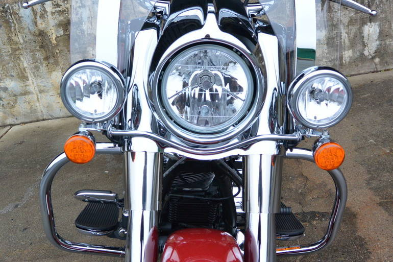 See more photos for this Indian Chief Vintage Indian Red, 2015 motorcycle listing