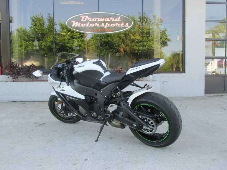 See more photos for this Kawasaki Ninja ZX-10R ABS, 2014 motorcycle listing