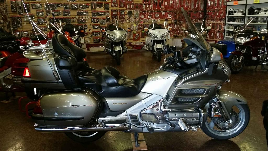 2003 Honda Gold Wing  ABS, motorcycle listing