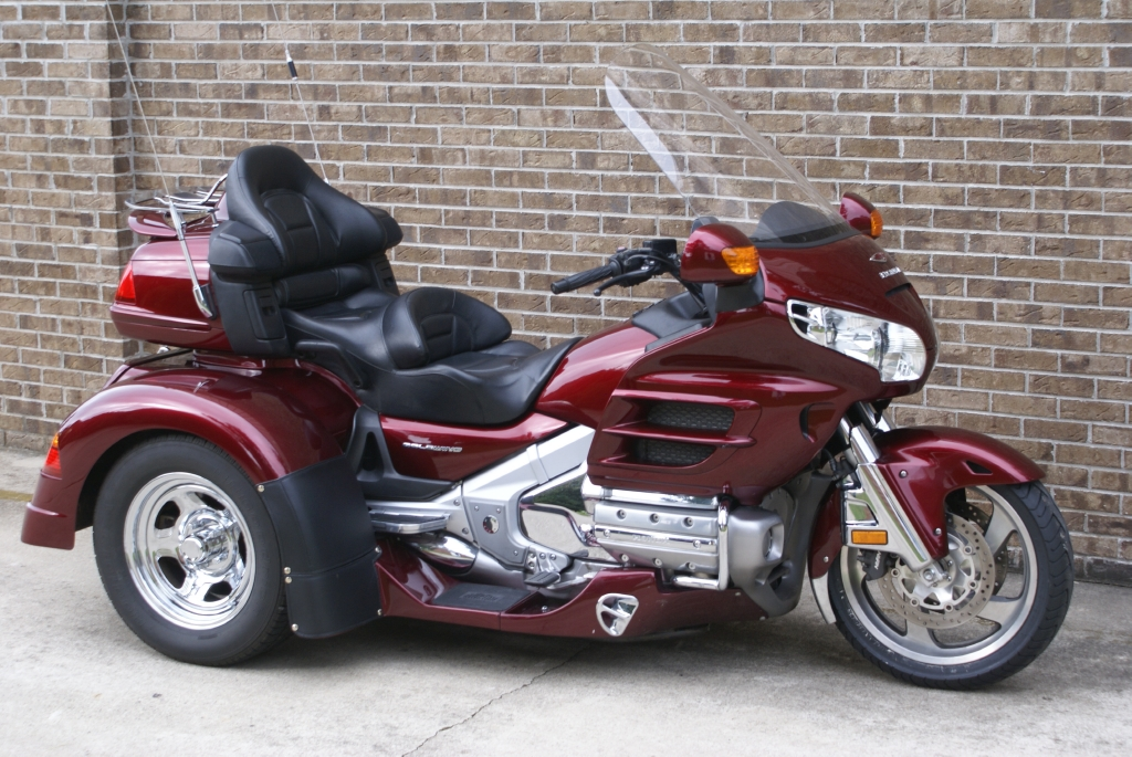 2004 Honda GOLDWING TRIKE 1800, motorcycle listing