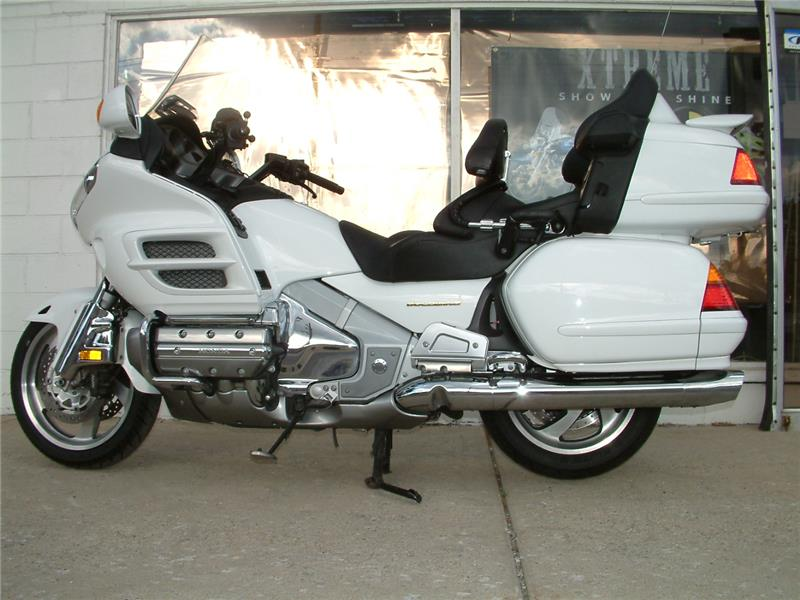 2004 Honda Gl1800 ABS, motorcycle listing