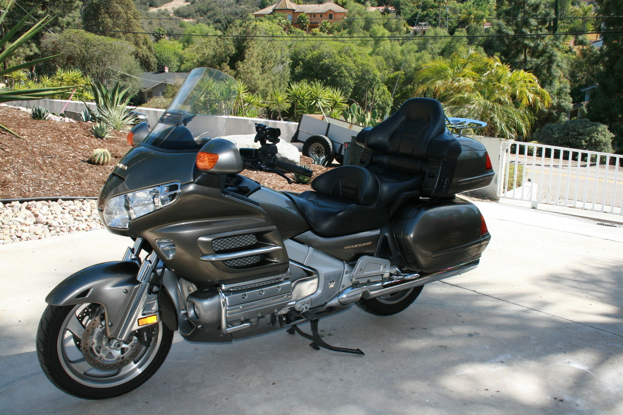 2004 Honda Gold Wing 1500 INSTERSTATE, motorcycle listing