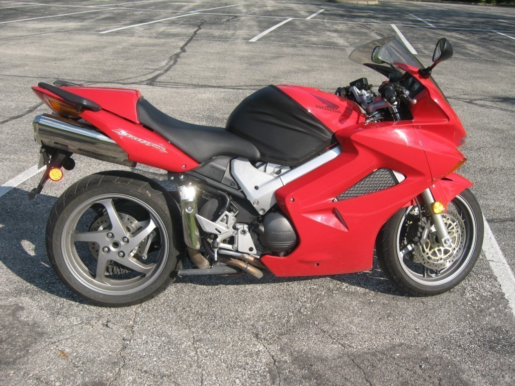 2004 Honda Interceptor VFR800, motorcycle listing
