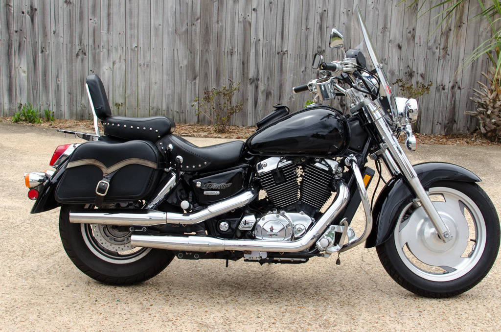 2004 Honda SHADOW SABRE 1100, motorcycle listing
