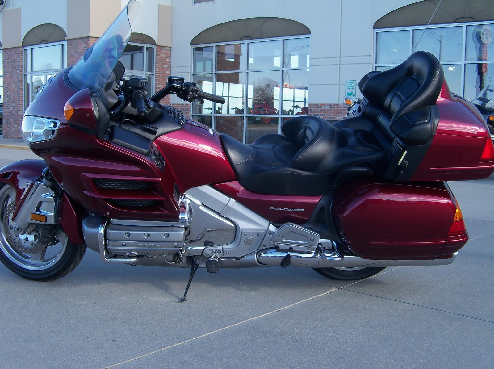2005 honda 1800 goldwing gl1800 motorcycle from lincoln ne today sale 15 199. Black Bedroom Furniture Sets. Home Design Ideas