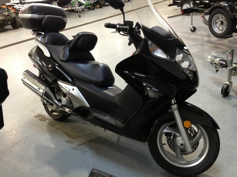 2005 Honda FSC 600 Silver Wing, motorcycle listing