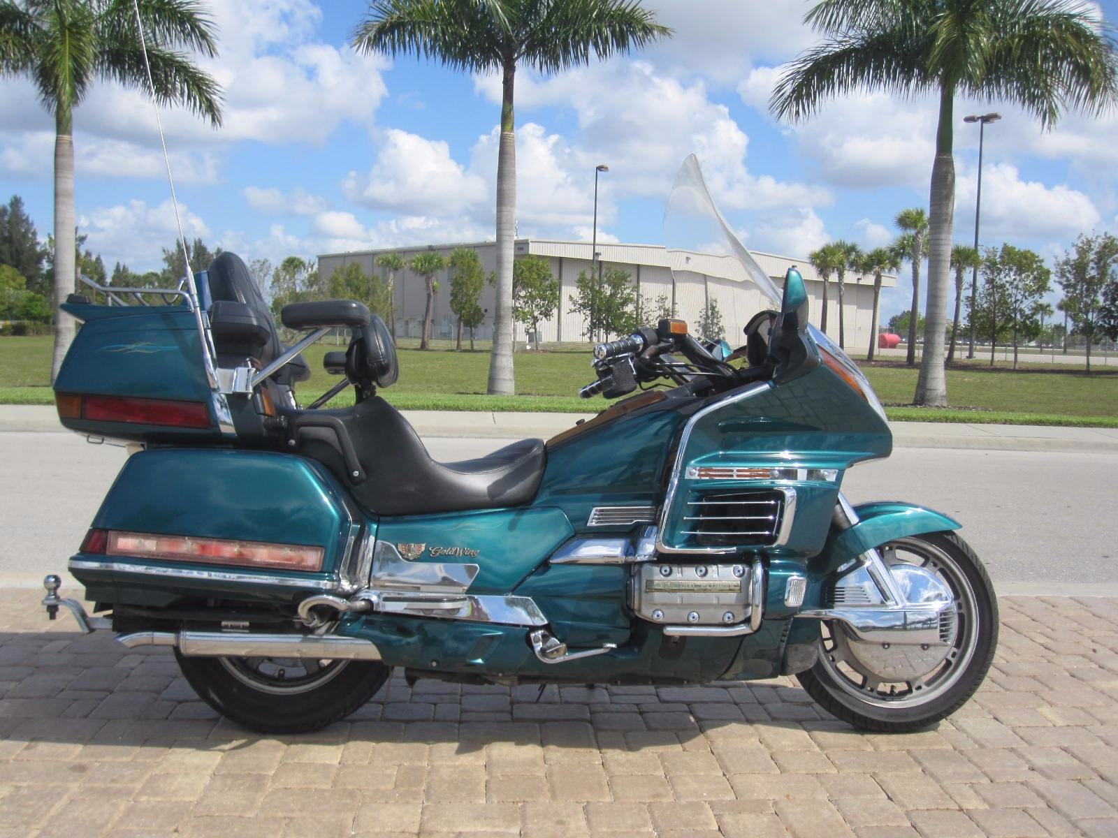 1995 Honda Gold Wing, motorcycle listing