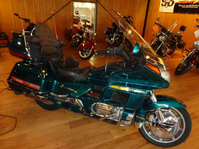 1995 Honda Goldwing SE, motorcycle listing
