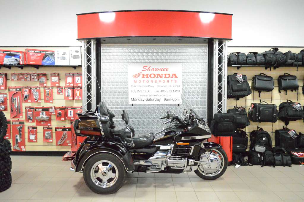 2000 Honda Goldwing Trike, motorcycle listing