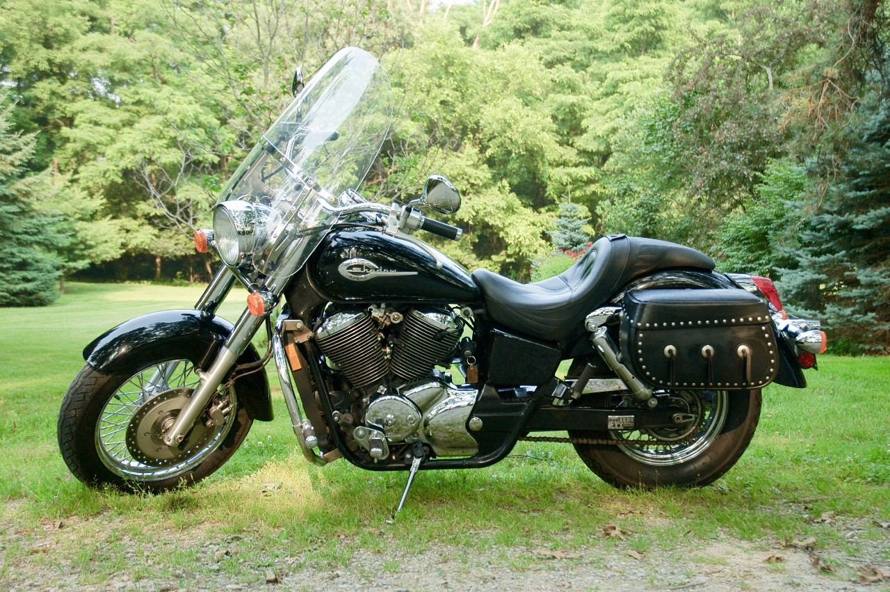 2001 Honda Shadow 750 DELUXE, motorcycle listing