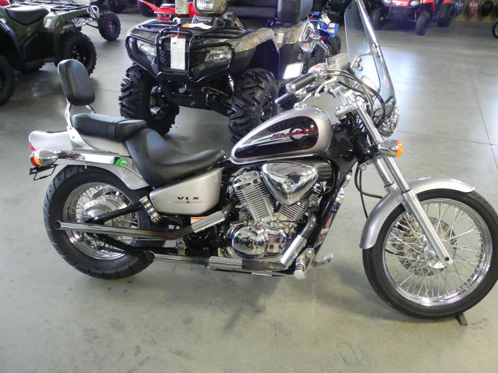 2001 Honda Shadow VLX Deluxe, motorcycle listing