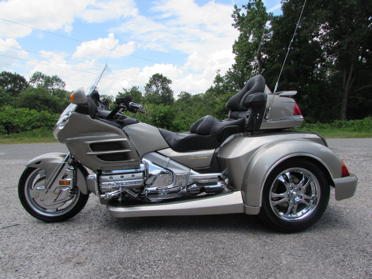 2002 Honda GOLDWING GL1800 ROADSMITH HTS , motorcycle listing