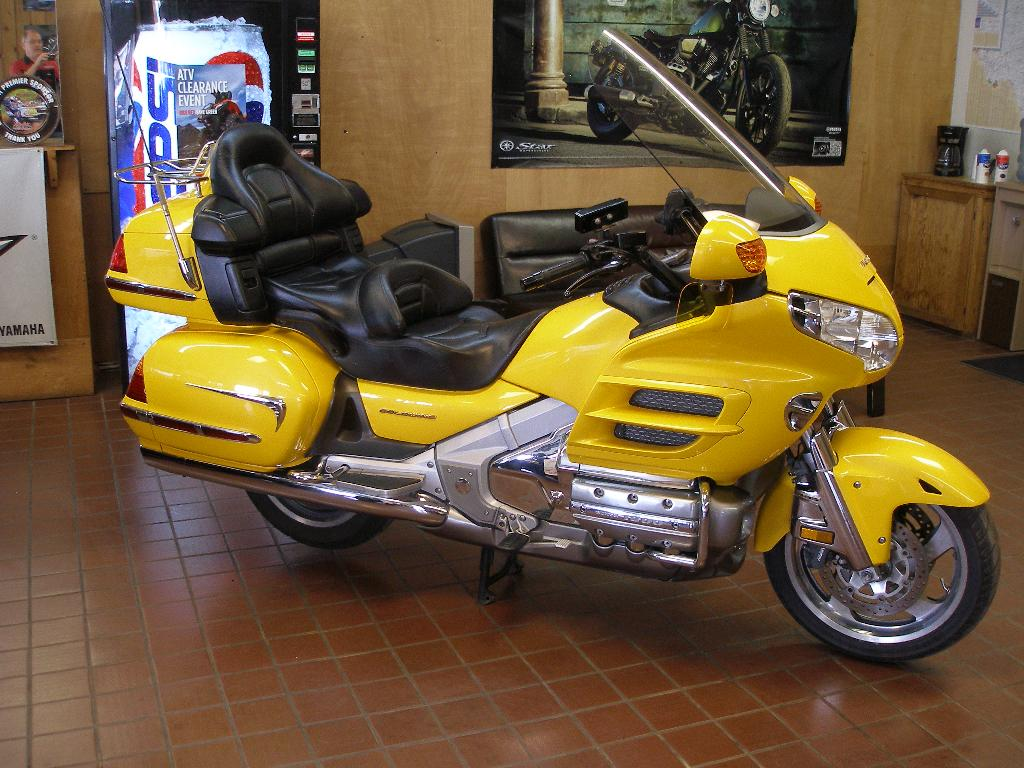 2002 Honda Gold Wing  ABS, motorcycle listing