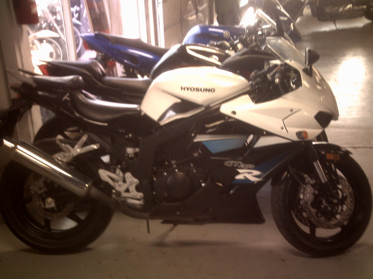 2011 Hyosung GT250R, motorcycle listing