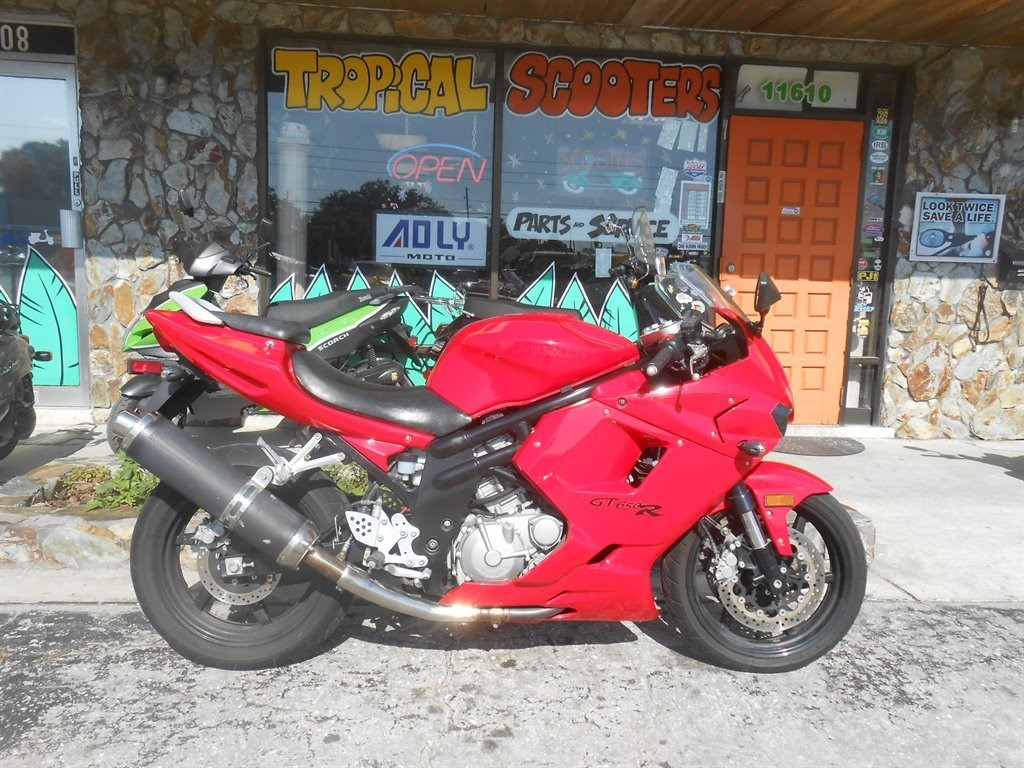 2011 Hyosung GT650 R COMET, motorcycle listing