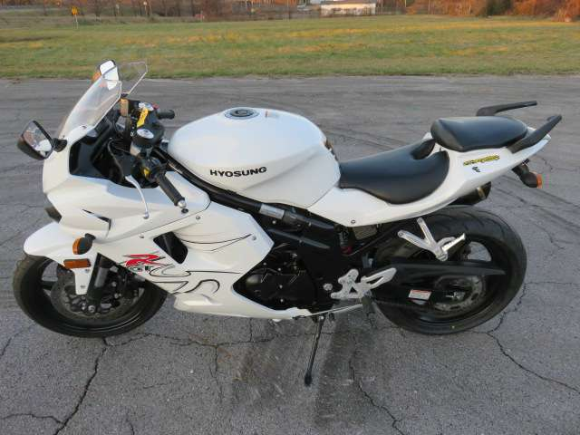 2011 Hyosung GT650R, motorcycle listing