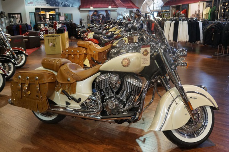 2015 Indian Chief Vintage Pearl White, motorcycle listing