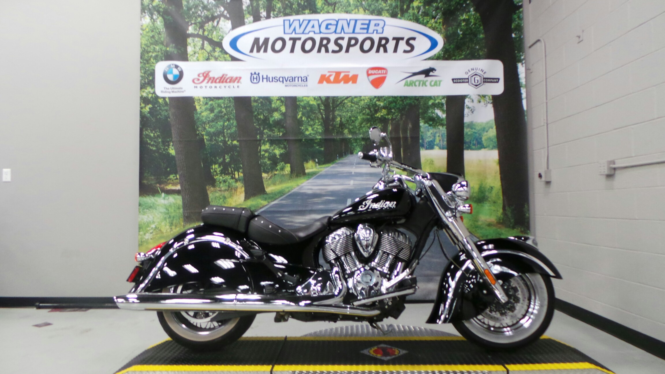 2014 Indian Chief Classic - Thunder Black, motorcycle listing